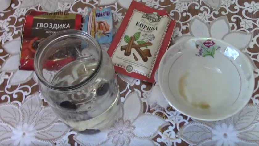 Водка на черносливе в домашних условиях