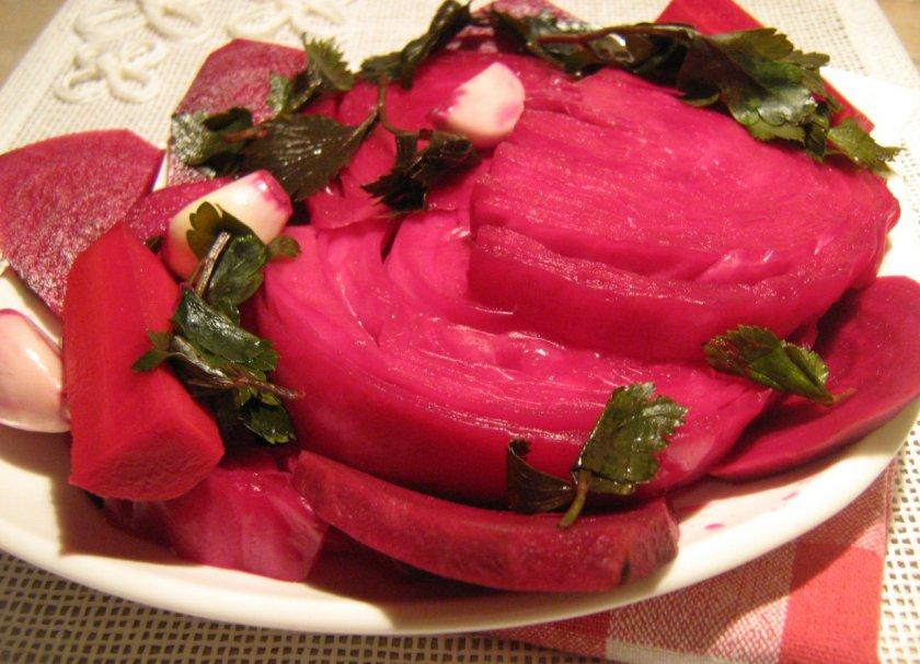 Засолка капусты со свеклой: полезные хитрости и вкусные рецепты