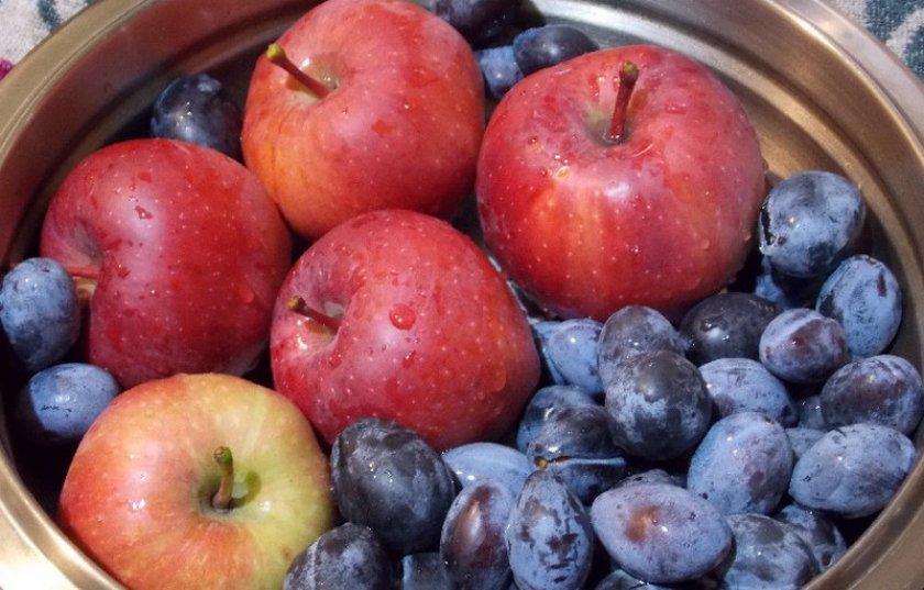 Яблока и сливы
