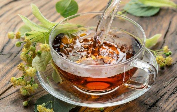 от чая с малиной потеют