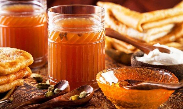 Медовый сбитень: состав напитка, как правильно употреблять, советы по приготовлению в домашних условиях