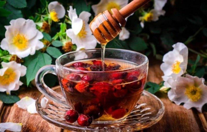 Малиновый чай с шиповником