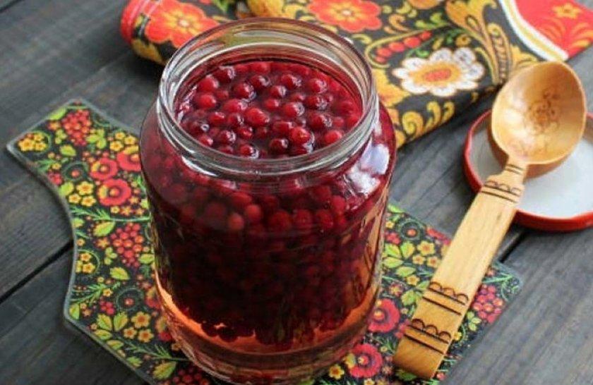 Брусника на зиму - полезные рецепты с варкой и без варки