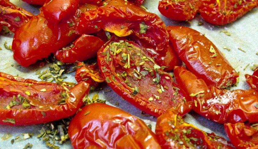 где хранить вяленые помидоры