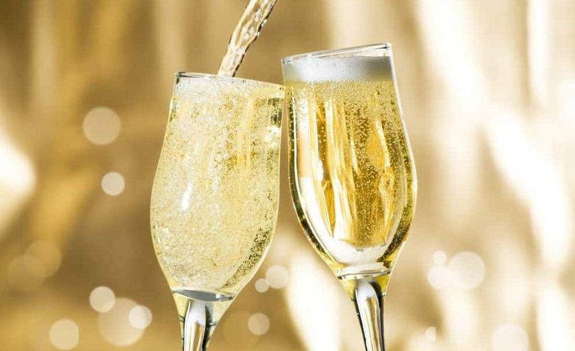 бокалы шампанского гифки очень красивые мебельная